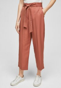 s.Oliver BLACK LABEL - REGULAR FIT - Trousers - dusty apricot - 0