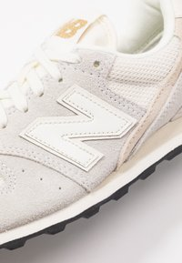 New Balance - WL996 - Matalavartiset tennarit - white - 2