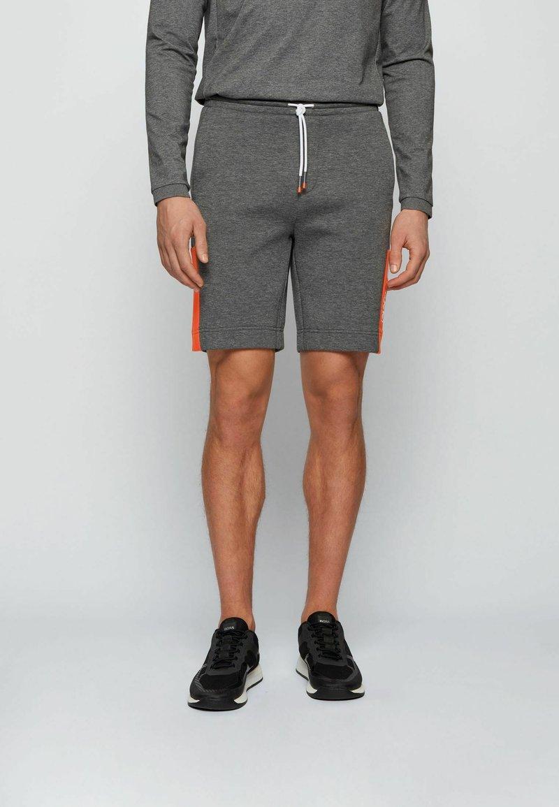 BOSS - HEADLO - Short - grey