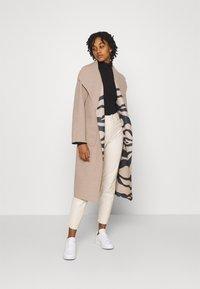 Vila - VIJUICE ZEBRA COAT - Classic coat - natural melange - 1