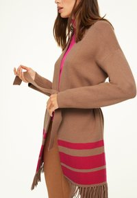 comma - Cardigan - camel placed strip - 3