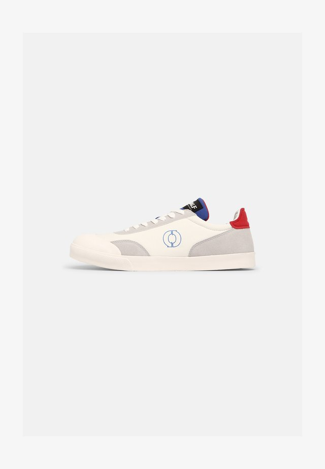 NOTAS - Sneakers laag - white/red