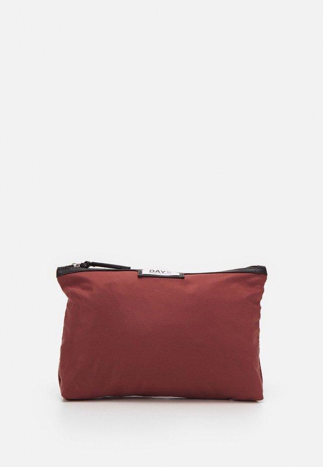 GWENETH SMALL 2 PACK - Wash bag - riad rose