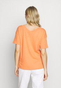 Esprit - FLW LINEN T - Print T-shirt - rust orange - 2