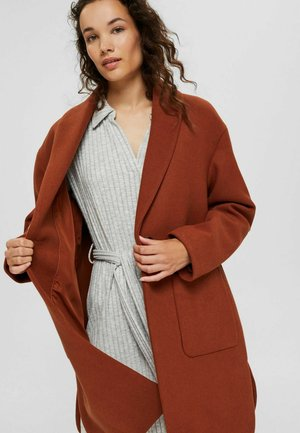 MIT SCHALKRAGEN - Short coat - cinnamon