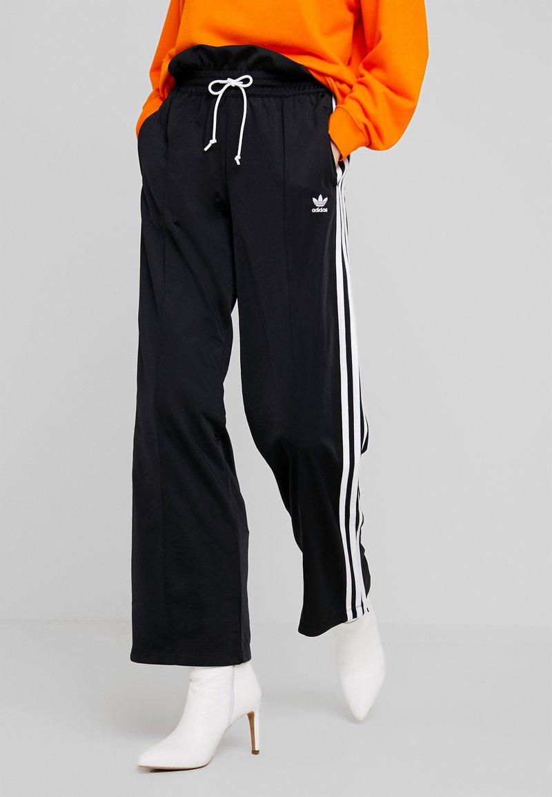 adidas Originals - BELLISTA 3 STRIPES PANTS - Träningsbyxor - black