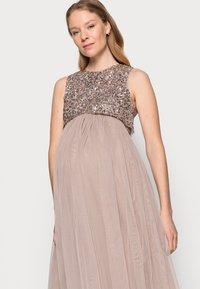 Maya Deluxe Maternity - DELICATE GLITTER OVERLAY DRESS - Společenské šaty - taupe blush - 3