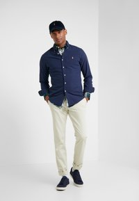 Polo Ralph Lauren - OXFORD SLIM FIT - Skjorter - cruise navy - 1