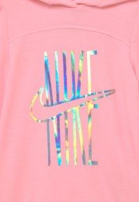 Nike Sportswear - SPORTSWEAR PULL OVER HOODY - Felpa - arctic punch - 2