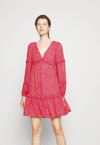TENTY CHEETAH MINI DRESS - Vapaa-ajan mekko - blush pink