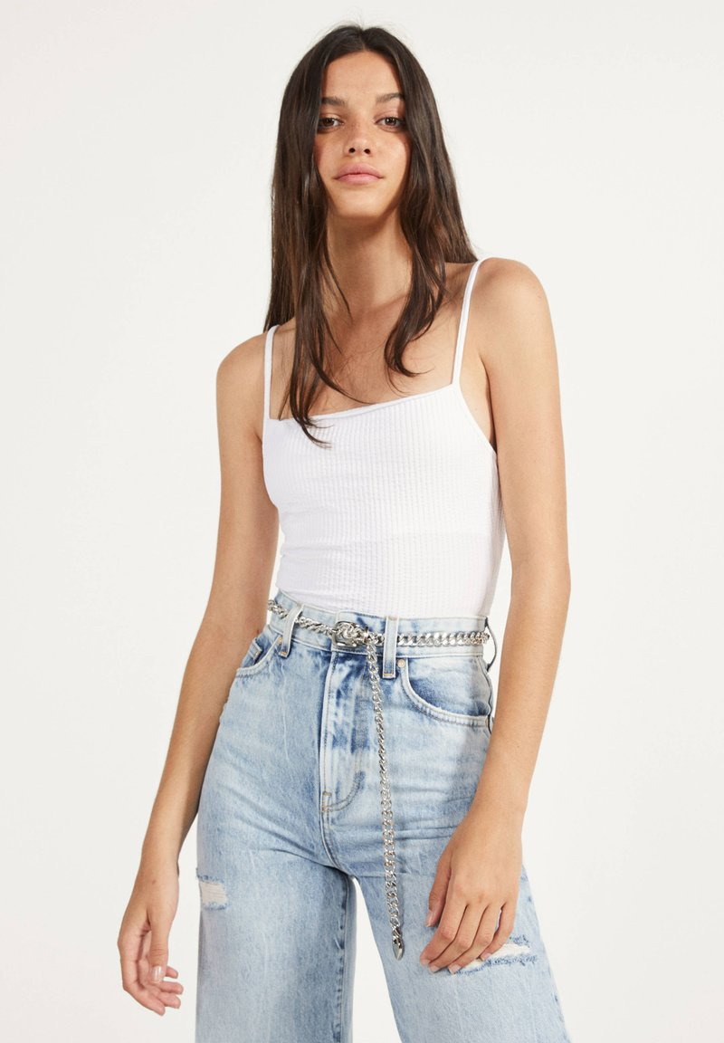 Bershka - GLATTER TRÄGER-BODY - Top - white