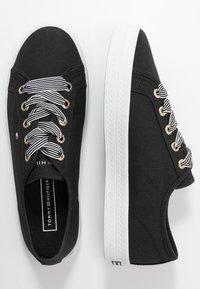 Tommy Hilfiger - ESSENTIAL NAUTICAL SNEAKER - Sneakers laag - black - 3