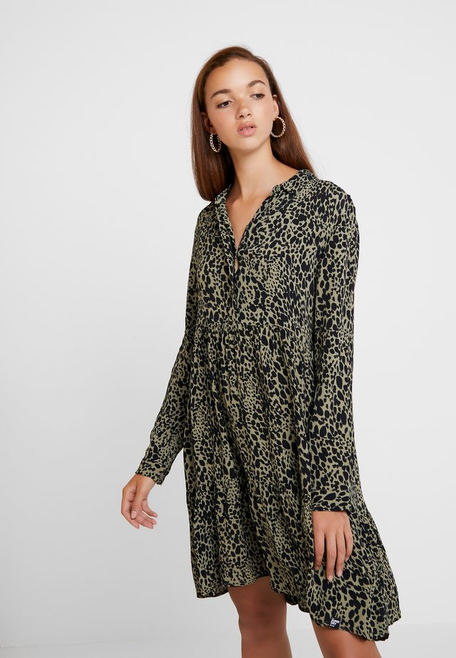 SCANDI DRESS - Shirt dress - green