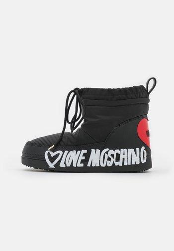 Winter boots - nero