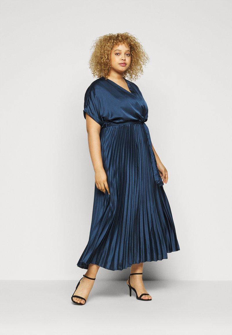New Look Curves - GO PLEATED - Vestito elegante - navy