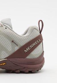 Merrell - SIREN 3 GTX - Hiking shoes - birch - 5