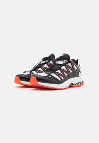 Salomon - SHOES XA-COMP ADV UNISEX - Sneakers basse - white/black/cherry tomato - 1