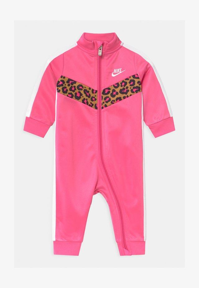 CHEVRON - Tuta jumpsuit - pinksicle