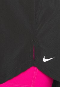 Nike Performance - Short de sport - black/fireberry/white - 5