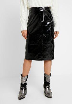 YASCAMA SKIRT - Pouzdrová sukně - black