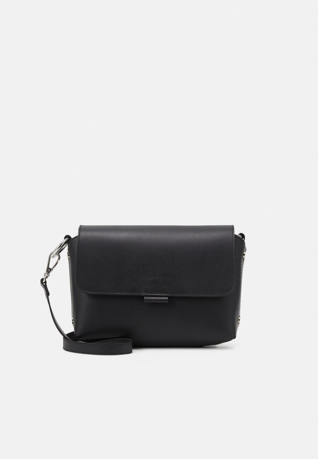 FERGIE CROSSBODY - Olkalaukku - black