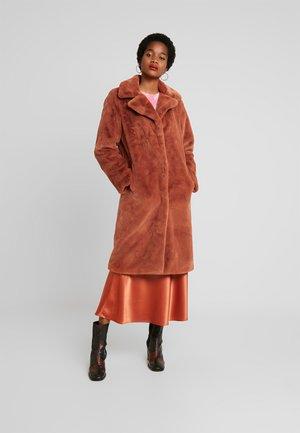 ONLASHLEY COAT - Zimní kabát - picante