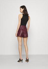 Missguided - CROC - Shorts - plum - 2