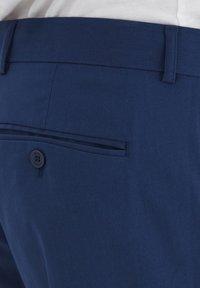 Casual Friday - PIHL SUIT PANTS - Suit trousers - estate blue - 3