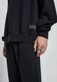 PULL&BEAR - Sweatshirt - black - 4