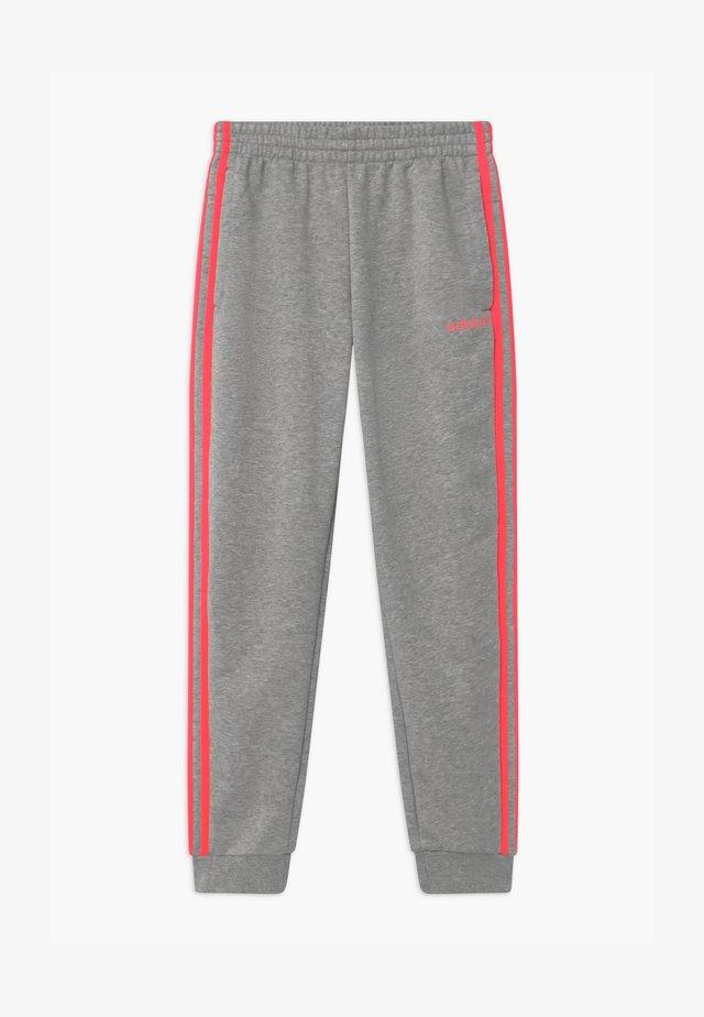 UNISEX - Teplákové kalhoty - medium grey/signal pink