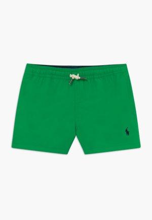 TRAVELER  - Swimming shorts - golf green