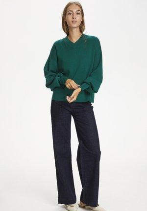 WANETTA V-NECK - Jumper - warm green
