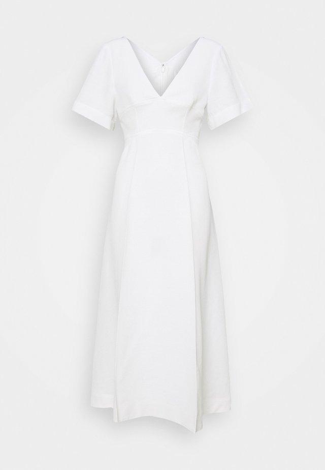 SHORT SLEEVE V NECK MIDI - Robe d'été - white