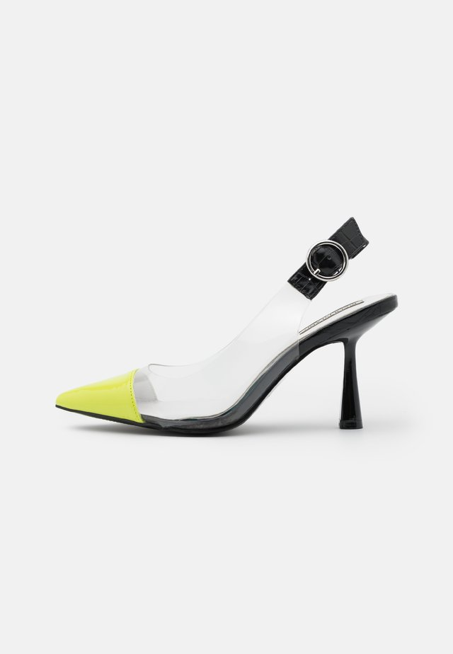 Classic heels - green light