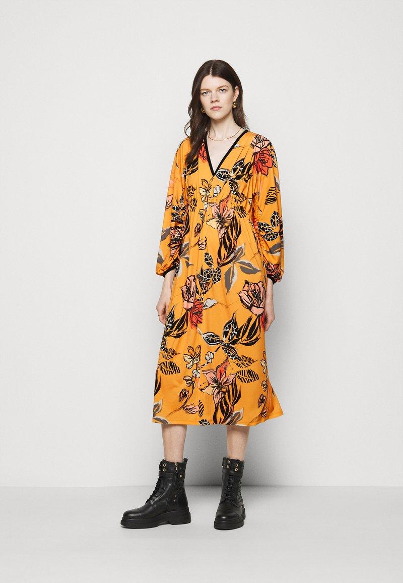 Marc Cain - Maxi dress - masala