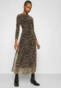 Calvin Klein Jeans - ZEBRA DRESS - Maxi dress - irish cream/black - 3