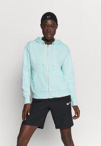 Nike Performance - STANDARD ISSUE HOODIE - Zip-up hoodie - light dew/pale ivory - 0