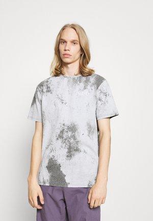 DYE TEE - T-shirt print - grey