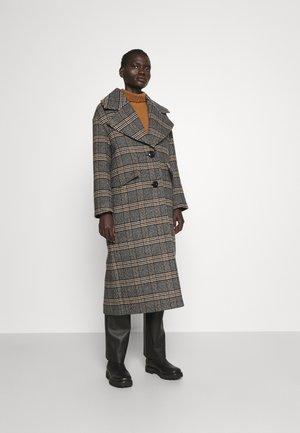 VERSION - Klasický kabát - navy