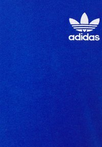 adidas Originals - 3 STRIPES TEE UNISEX - Camiseta estampada - royblu - 2