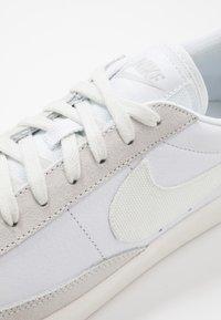 Nike Sportswear - BLAZER - Zapatillas - white/sail/platinum tint - 5