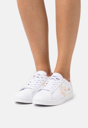 PRO  - Baskets basses - white