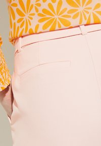 comma - Trousers - powder rose - 4