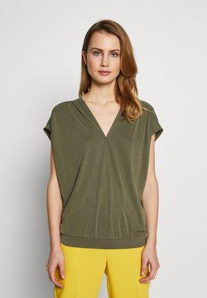 HAMDA BLOUSE - T-shirts med print - grape leaf