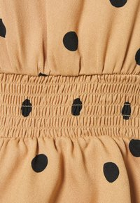 Dorothy Perkins Petite - PETITES VOLUME SLEEVE SHIRRED WAIST - Blouse - camel - 2