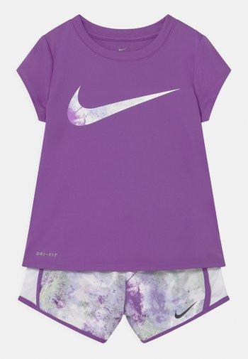 SKY DYE TEMPO SET - T-shirt imprimé - purple chalk