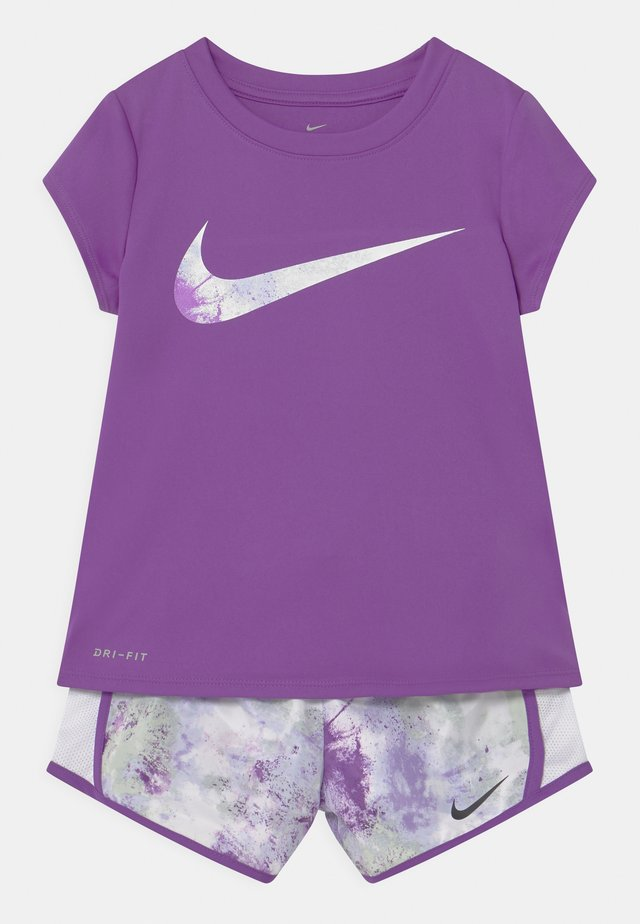 SKY DYE TEMPO SET - Camiseta estampada - purple chalk