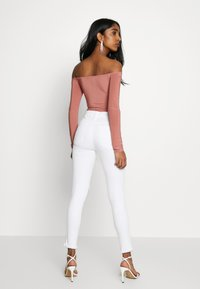 Missguided - SLINKY OFF SHOULDER RUCHED BODY - Long sleeved top - rose - 2
