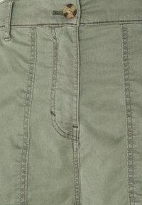 Marks & Spencer London - ULTIMATE - Cargo trousers - khaki - 5