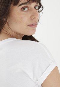 Fransa - MIT FLORALEM PRINT - Print T-shirt - white - 4